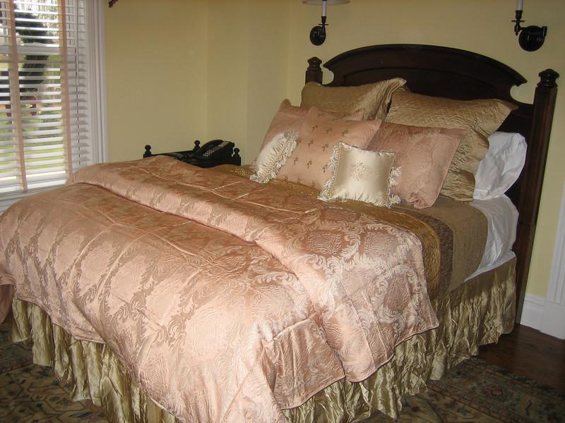 Bed 4 Oct 06.jpg