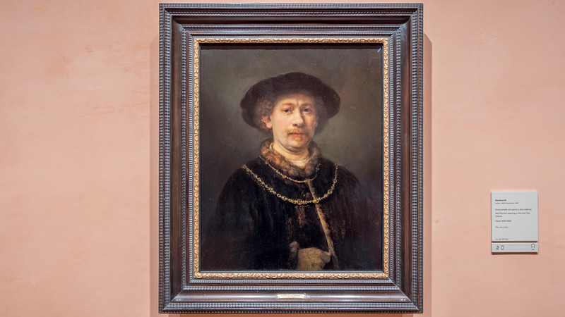 01990 Rembrandt self portrait wearing a hat and 2 chains 1640 Amsterdam Leiden 16x9.jpg