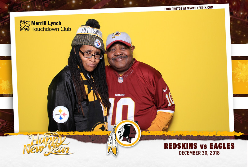 washington-redskins-philadelphia-eagles-touchdown-fedex-photo-booth-20181230-165508.jpg