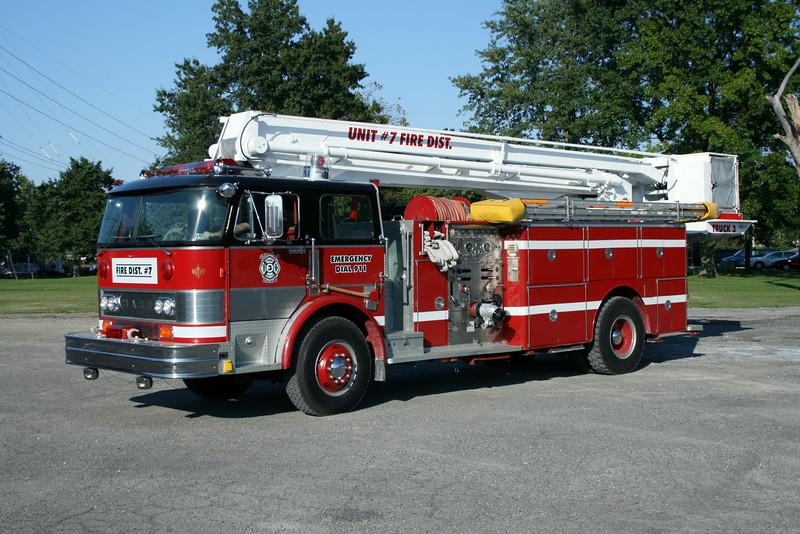 UNIT 7 FIRE DISTRICT TRUCK 3.jpg