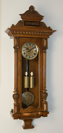 VR-522   Altdeutsche Two Weight Vienna Regulator by Gustav Becker
