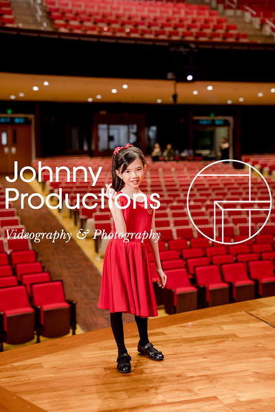 0068_day 1_SC junior A+B portraits_red show 2019_johnnyproductions.jpg
