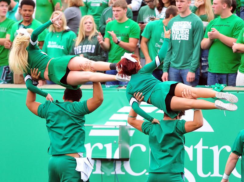 cheerleaders4049.jpg
