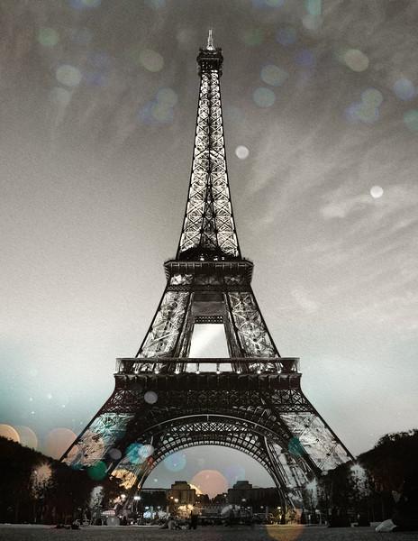 eifel tower night, 8,5x11.jpg