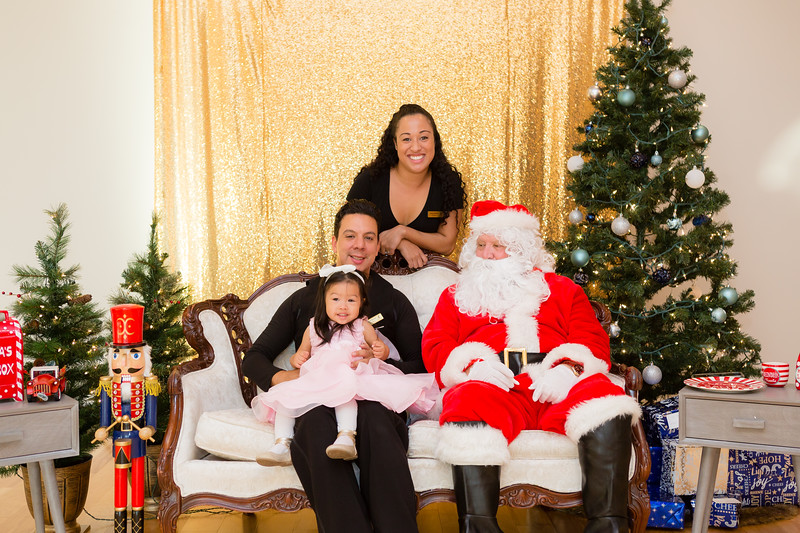 FADS Picture with Santa-166.jpg