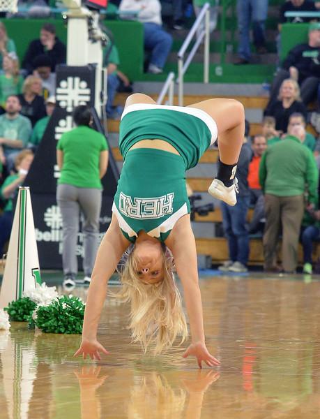 cheerleaders9215.jpg