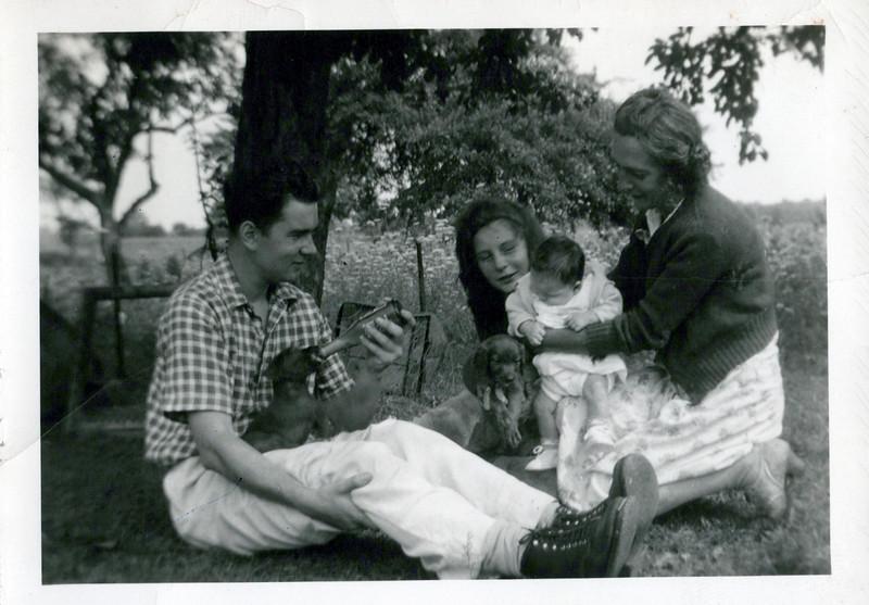 1942 Mel, Nelda,  Bonnie, Nellie.jpeg