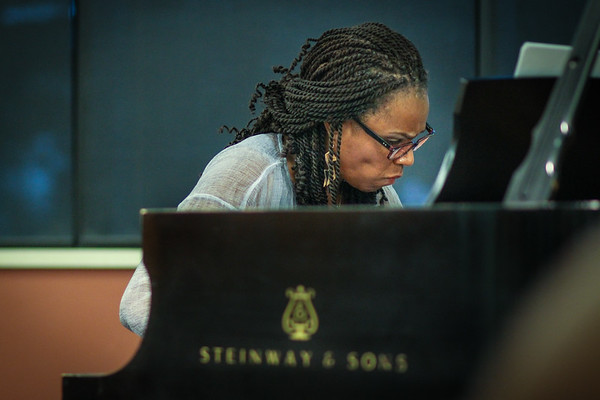 Taslimah Bey - solo piano