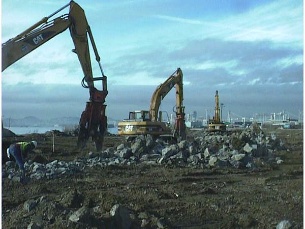 NPK M28G concrete pulverizer on Cat excavator-C&D recycling (6).JPG