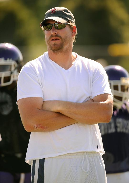 . Former Denver Broncos center Tom Nalen a volunteer line coach for the South High School Rebels football team.  Nalen coached practice Friday afternoon, August 20, 2009.   Karl Gehring/The Denver Post