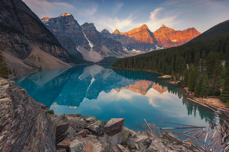 Moraine Lake, Banff National Park. Alberta, Canada.