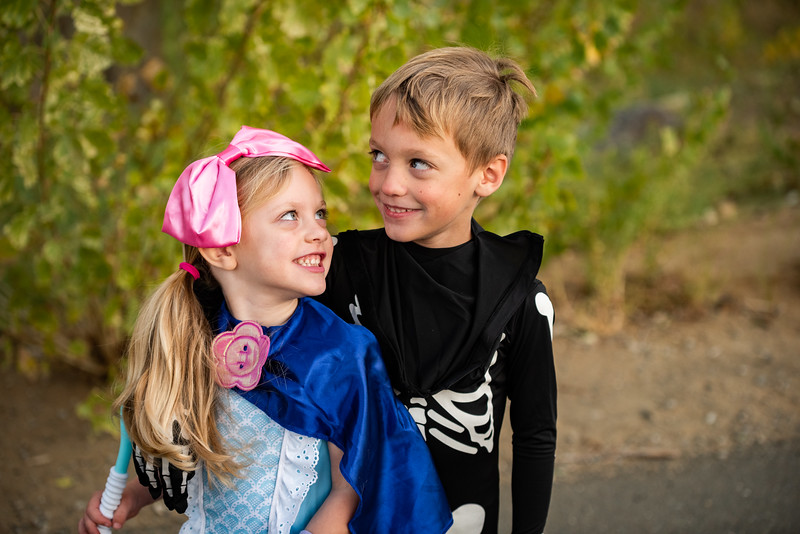 Colton and Paisley Halloween 2019-9165.jpg