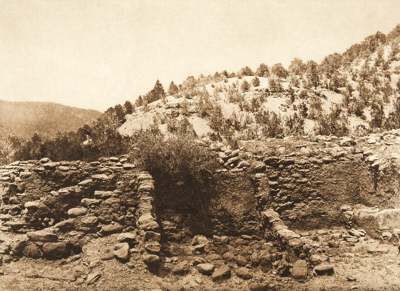 Excavated ruins at Gyusiwa - Jemez Springs (The North American Indian, v. XVI. Norwood, MA, The Plimpton Press,  1926)