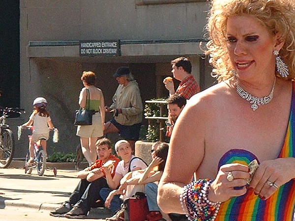Pride Parade 2001-7.jpg