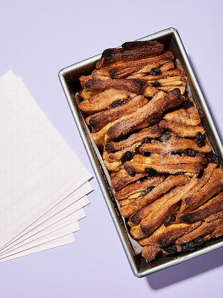 Creative-Space-Artists-photo-agency-photo-rep-food-stylist-diana-yen-cinnamon_raisin_butter_crust_flake_apart_bread.jpg