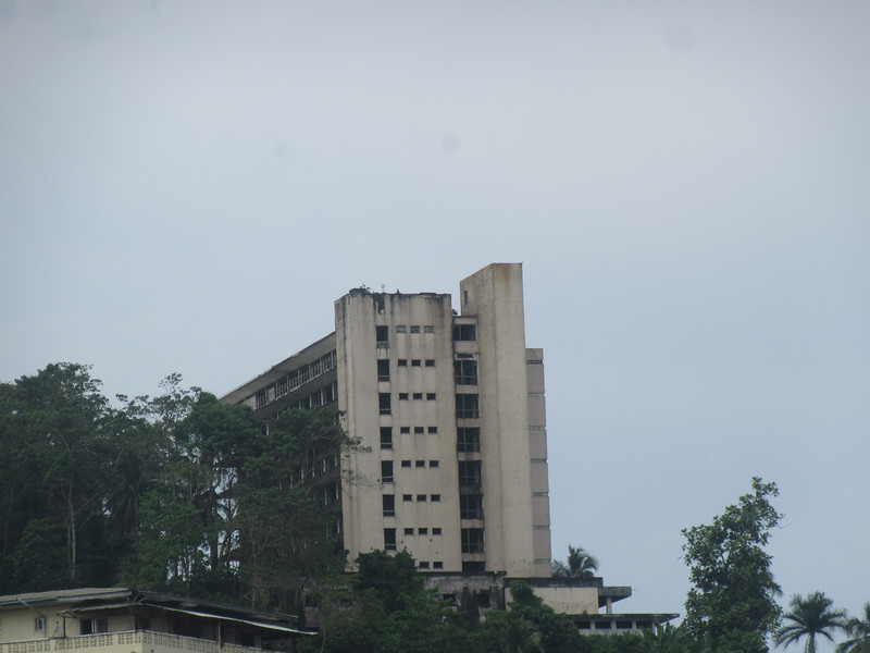 016_Monrovia. Snipper Hill. The Ruin of the Ducor Palace Hotel. 500 rooms.JPG
