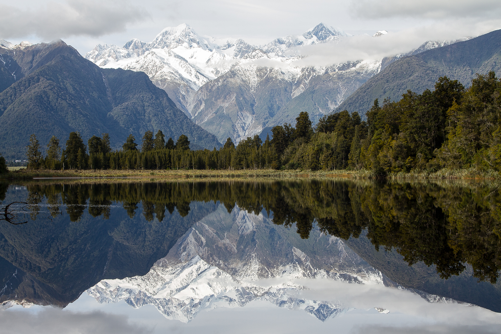 Planning a New Zealand Trip Inspired By Awesome Photo Locations