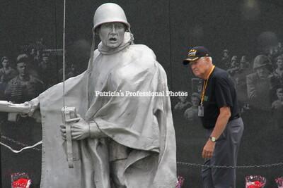 WWII Veterans Visit Washington DC (June 2011)