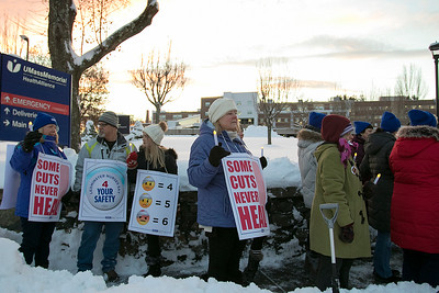 Nurses picketing, Dec. 3, 2019