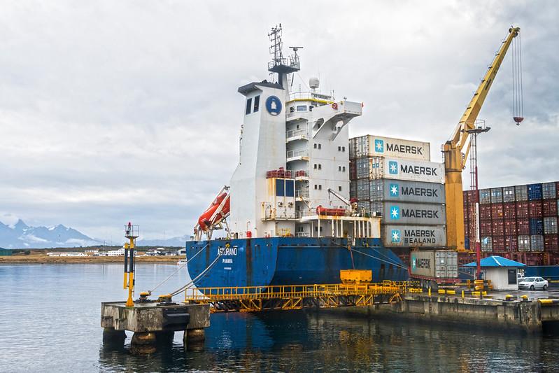 Ushuaia-5 Port.jpg