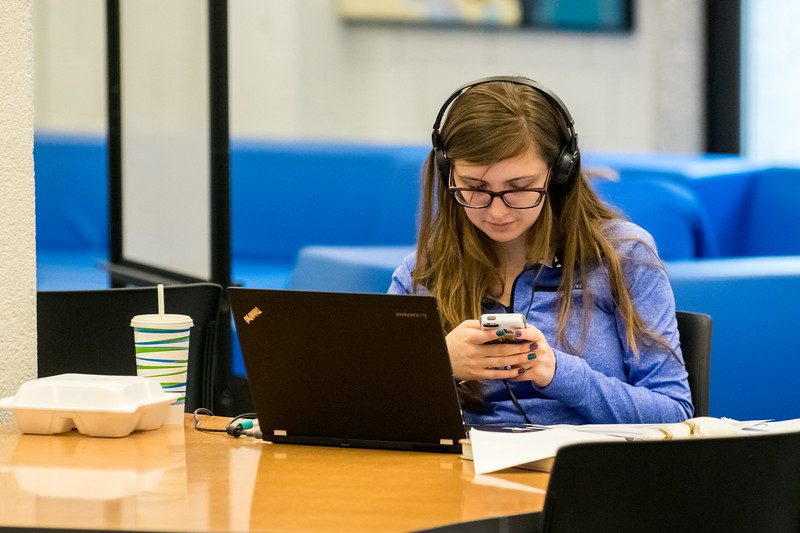 Student Studing in LibraryApril 04, 2017-0009.jpg