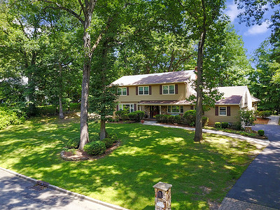 895 Hilltop Terrace Franklin Lakes