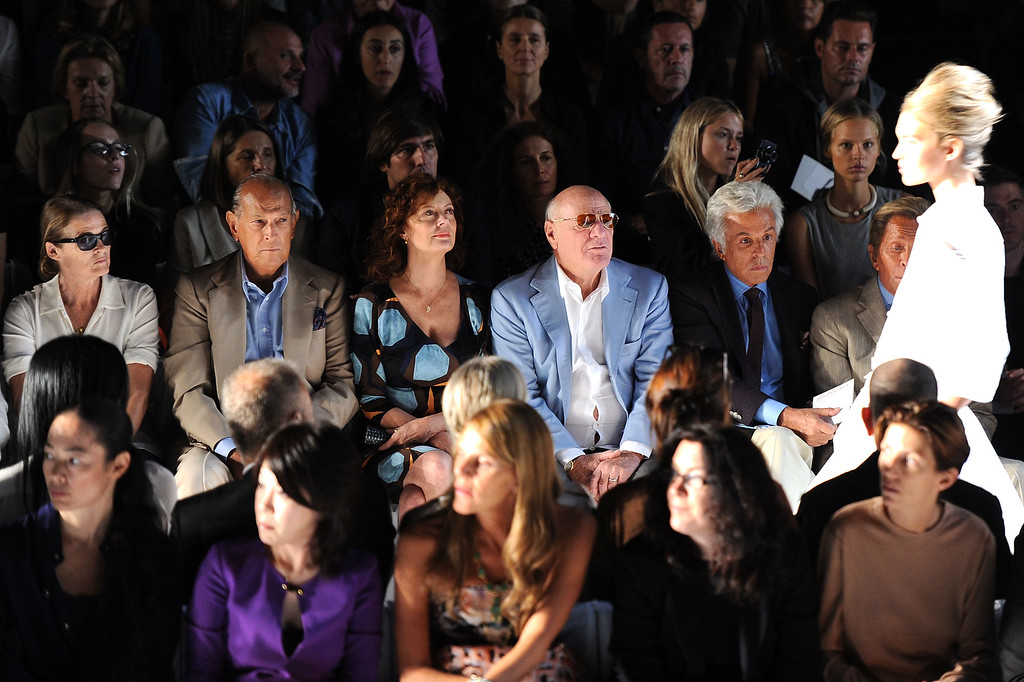 . L-R) Designer Oscar de la Renta, actress Susan Sarandon, Barry Diller, honorary president of Valentino Fashion House Giancarlo Giammetti, and Valentino Garavani attend the Diane Von Furstenberg Spring 2012 fashion show during Mercedes-Benz Fashion Week at The Theater at Lincoln Center on September 11, 2011 in New York City.  (Photo by Jason Kempin/Getty Images for Mercedes-Benz Fashion Week)