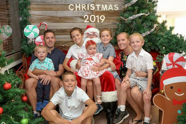 Diver Family Santa Photos 2019