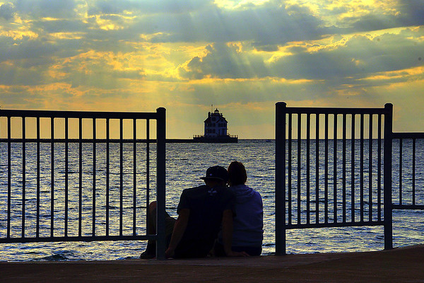 Couple at the Pier 8-23-2017