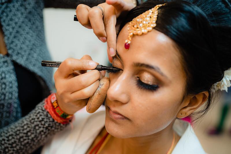 Candid Wedding Photographer Ahmedabad-1-137.jpg