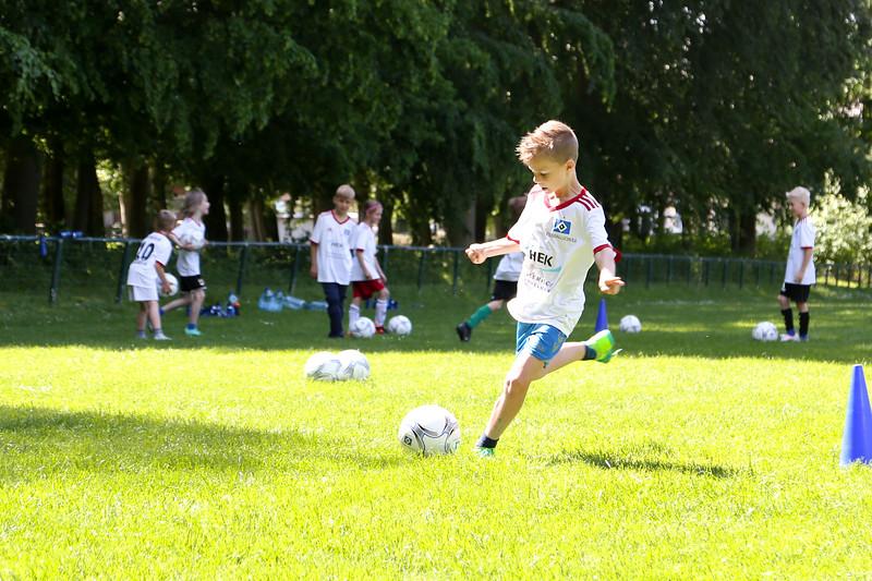 hsv_fussballschule-425_48048036742_o.jpg