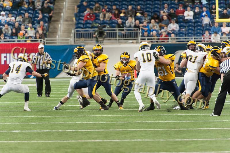 2014 Clarkston Varsity Football vs. Saline 449.jpg