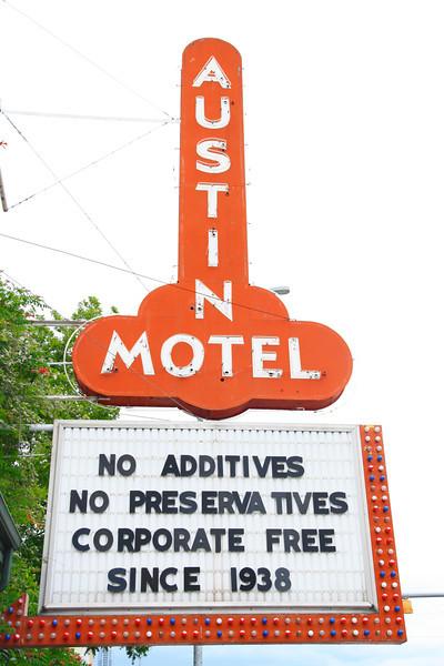 Austin 3-1053.jpg