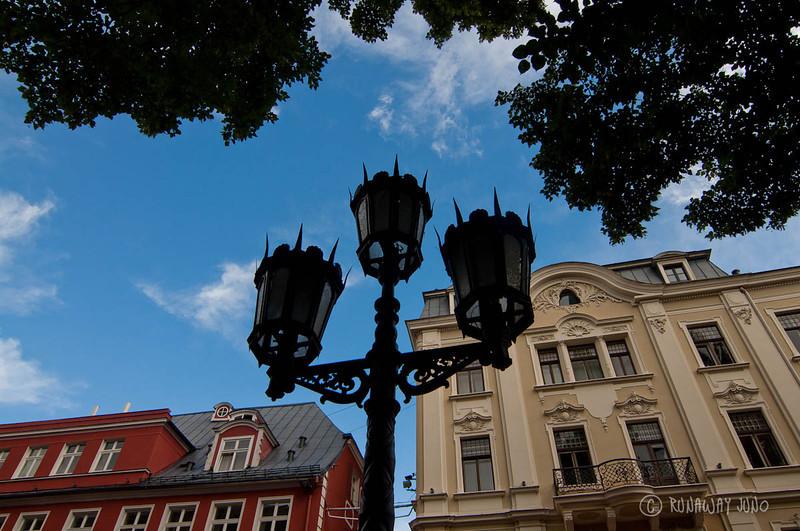 Riga-Latvia-street-lamp-2218.jpg