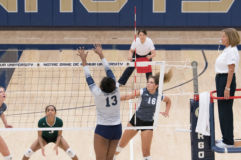 HPU Volleyball-92302.jpg