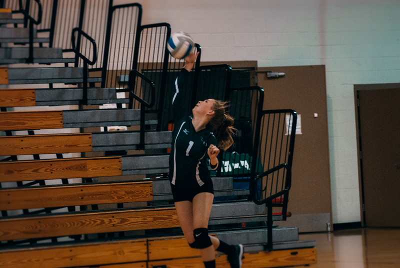 CNP_VOLLEYBALL_VS_ORONO-34.JPG
