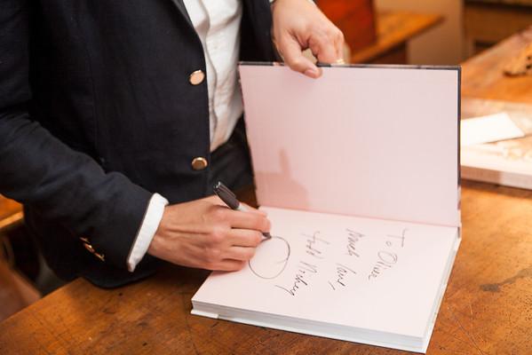 04 Book Signing - Lee Stanton