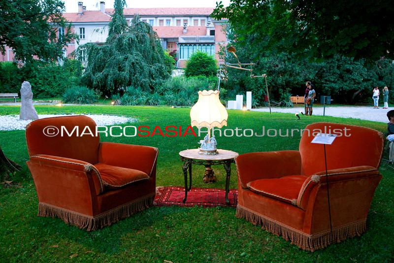 0093-zooart-01-2012.jpg