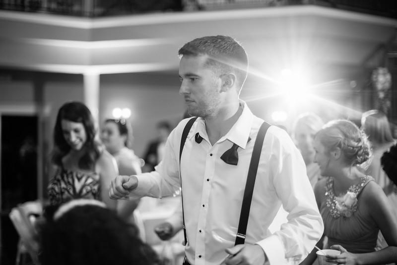 1018_Josh+Lindsey_WeddingBW.jpg