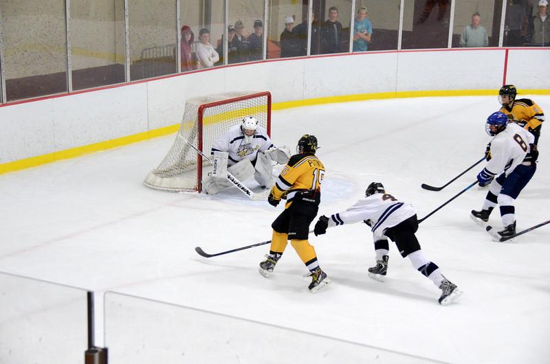 141004 Jr. Bruins vs. Boston Bulldogs-101.JPG