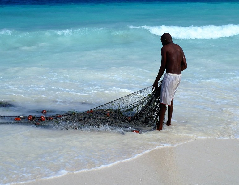 Fisherman in Paje - things to do in Zanzibar