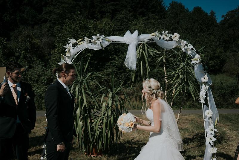 Tu-Nguyen-Wedding-Hochzeitsfotograf-Hochzeitsreportage-Neuwied-Bonn-Koblenz-Jan-Jessica-24.jpg