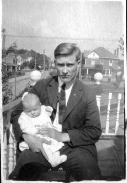 1920 VaFloyd porch.jpg