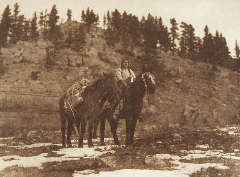 Packhorse - Apsaroke (Indians of North America, v. IV. Cambridge, MA: The University Press, 1909)