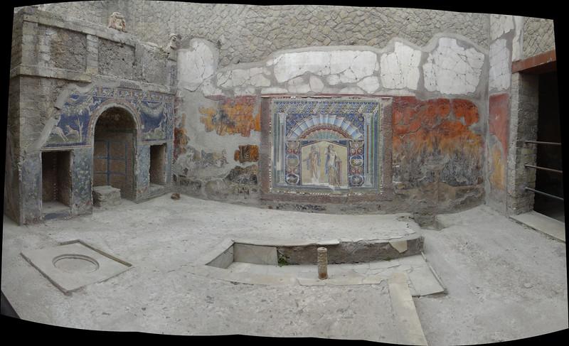 Herculneum villa interior.jpg