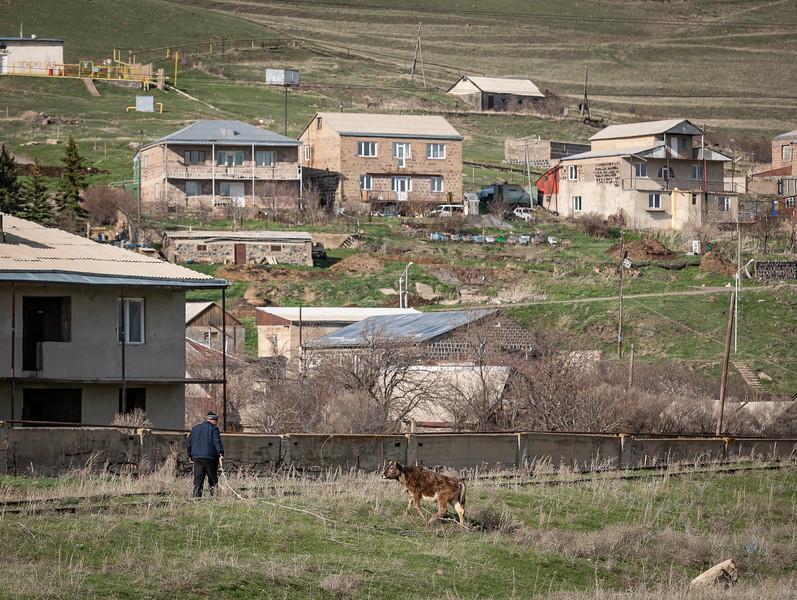 Armeniaday6-BehindtheStationSevan-6.jpg