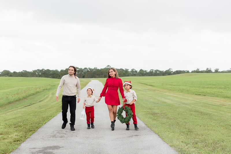 Augustin Family Holiday 2020-28.jpg