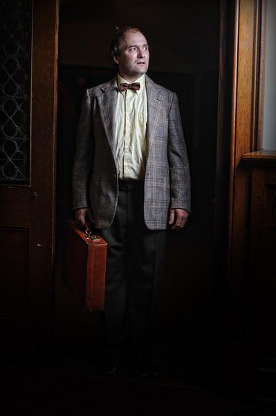 kyle-cassidy-curio-theatre-september-2012-runner-stumbles-005.jpg