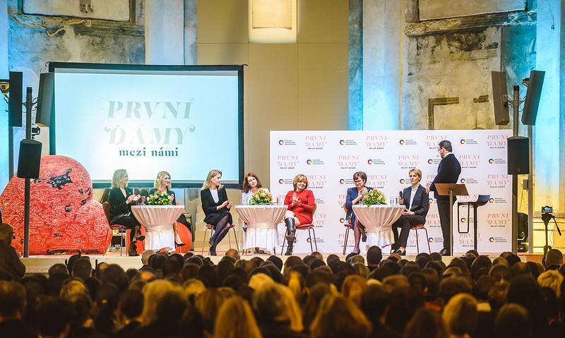 PrvniDamy-021_www.klapper.cz.jpg