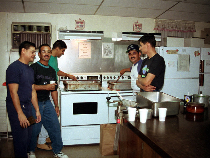 1992 09 20 - Supper at the Sunlight Inn 17.jpg